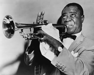 louis-armstrong-performing