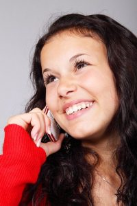 girl-on-mobile-phone-499888900022
